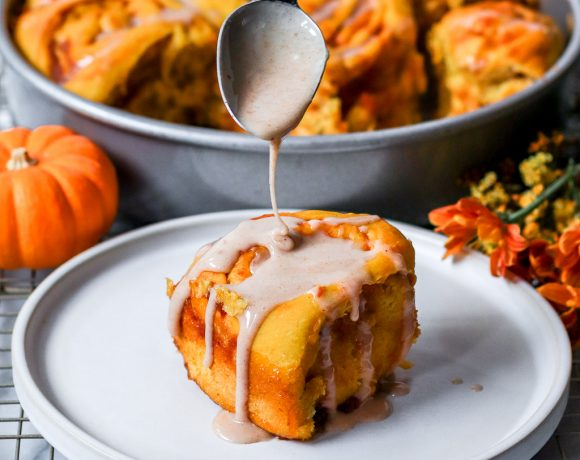 The best vegan pumpkin spice cinnamon rolls with pumpkin spice glaze