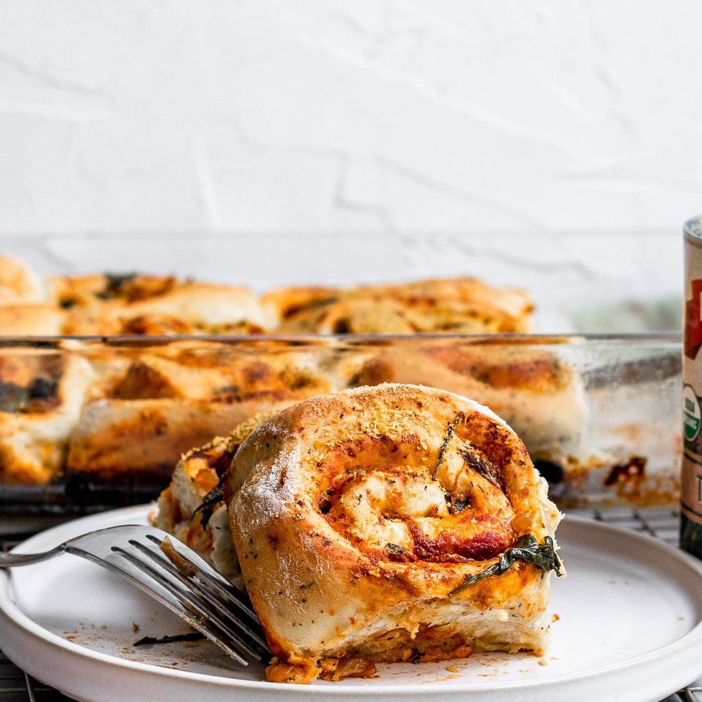 Vegan Caramelized Onion & Spinach Pizza Buns