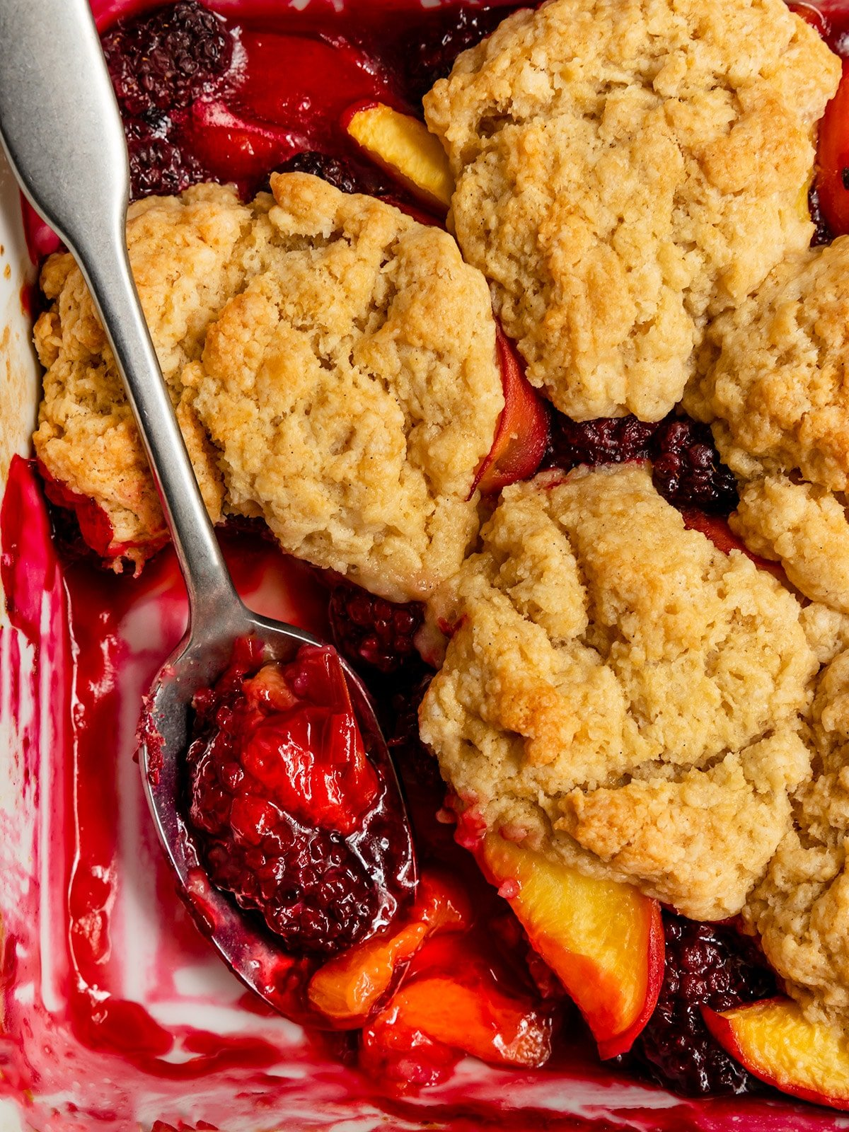 cobbler with peach slices and