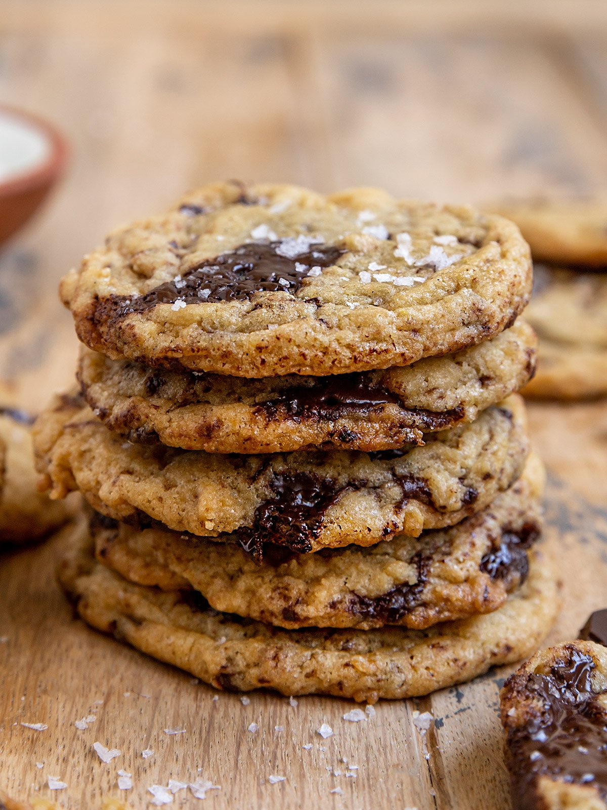 stack of five chocolate chunk cookies